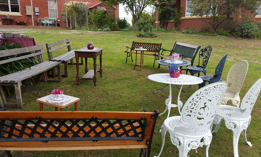 Garden_Party_Backyard