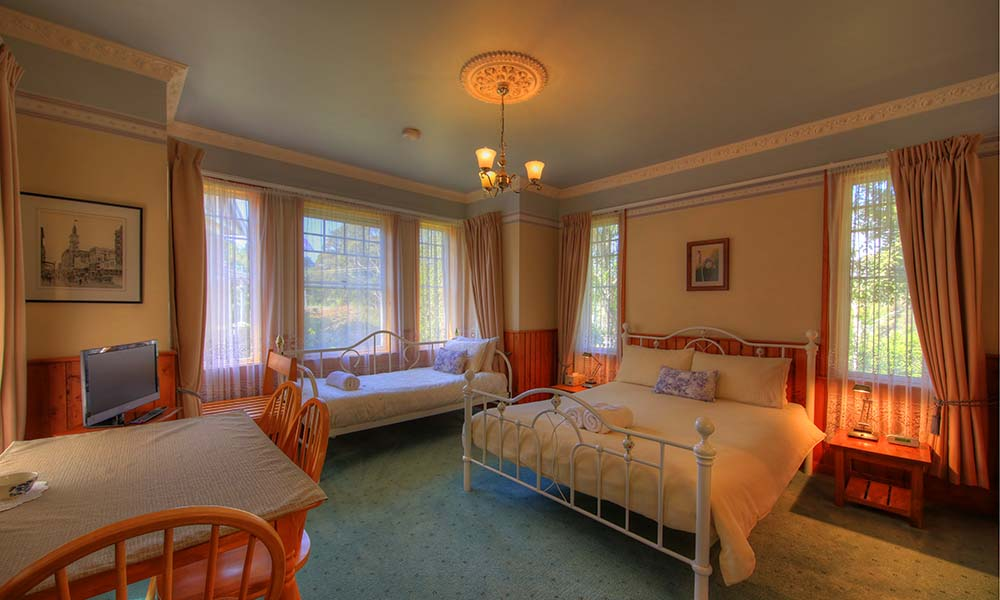 Oak_Room